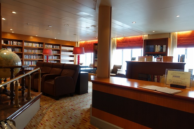 飛鳥Ⅱの船内図書館